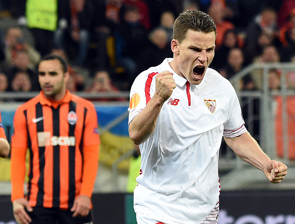 Sevilla FC Kevin Gameiro react s after he scored a penalty against Shakhtar Donetsk during the UEFA Europa League semi-final football match FC Shakhtar Donetsk vs Sevilla FC at the Arena Lviv stadium in Lviv on April 28, 2016. / AFP / JANEK SKARZYNSKI (Photo credit should read JANEK SKARZYNSKI/AFP/Getty Images)