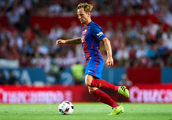 SEVILLE, SPAIN - AUGUST 14: Ivan Rakitic of FC Barcelona in action during the match between Sevilla FC vs FC Barcelona as part of the Spanish Super Cup Final 1st Leg at Estadio Ramon Sanchez Pizjuan on August 14, 2016 in Seville, Spain. (Photo by Aitor Alcalde/Getty Images)