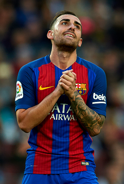 BARCELONA, SPAIN - NOVEMBER 19:  Paco Alcacer of Barcelona reacts as he fails to score during the La Liga match between FC Barcelona and Malaga CF at Camp Nou stadium on November 19, 2016 in Barcelona, Spain.  (Photo by Manuel Queimadelos Alonso/Getty Images)