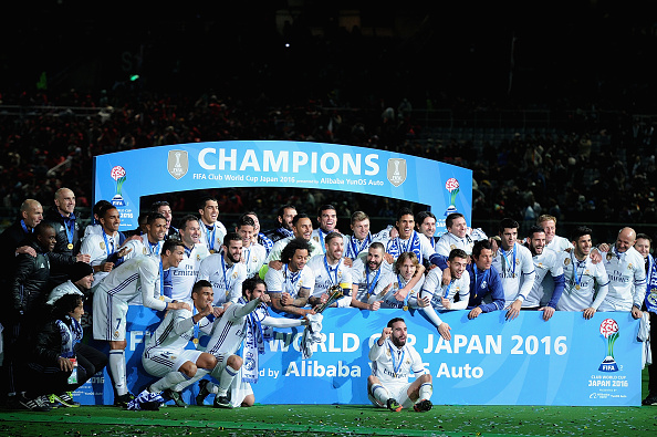 YOKOHAMA, JAPAN - DECEMBER 18: Players of Real Madrid celebrate winning the FIFA Club World Cup final match between Real Madrid and Kashima Antlers at International Stadium Yokohama on December 18, 2016 in Yokohama, Japan. (Photo by Matt Roberts/Getty Images)